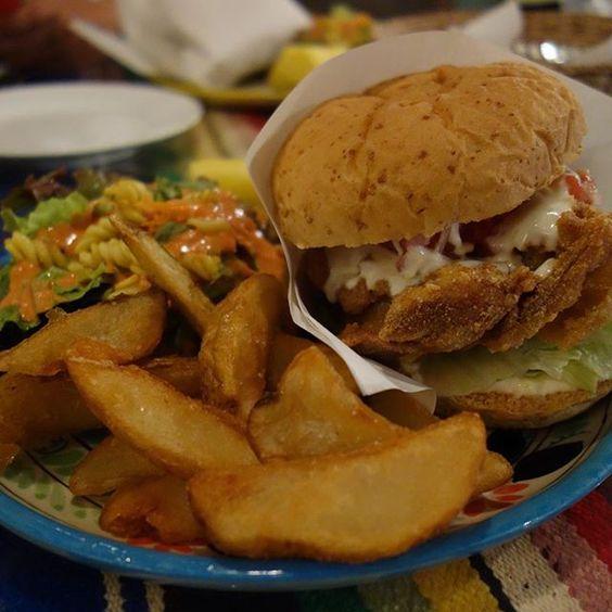 チキンサルサバーガーの単品ではなくコンボ 社長のおもてなしに涙で前が見えません #meallog #food #foodporn #burger #burger_jp #ハンバーガー #