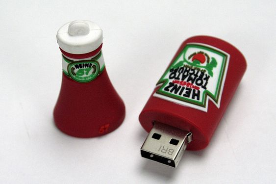 Heinz Ketchup USB Flash Drive - Want, pretty please.