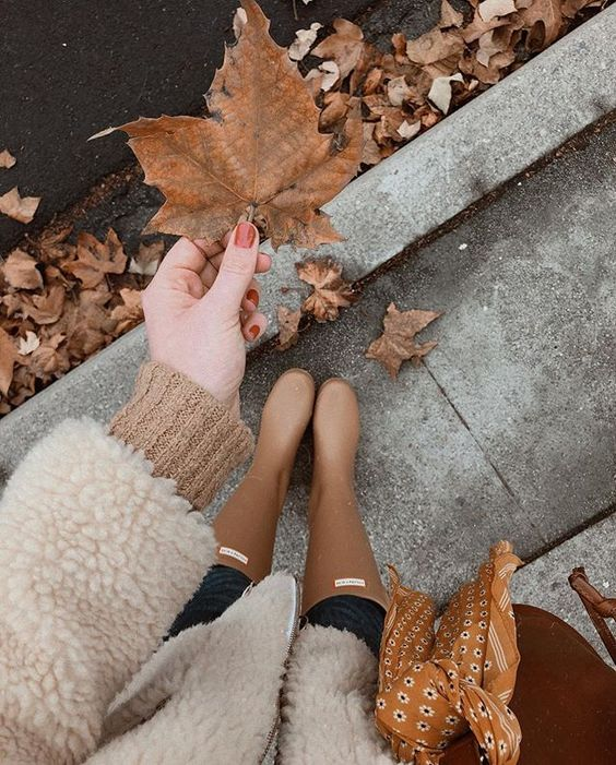 """Clinging to the last bits of """"winter"""" weather here in California. 🍁 #feetsndeets"""