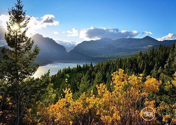 Happy Sunday from Montana!  Photo by @ddbearstar #Montana #Fall #GodsCountry #GlacierNationalPark #GodsCountry #MtBigSkyseries #MontanaMoment #BigSkyCountry by mtbigskyseries