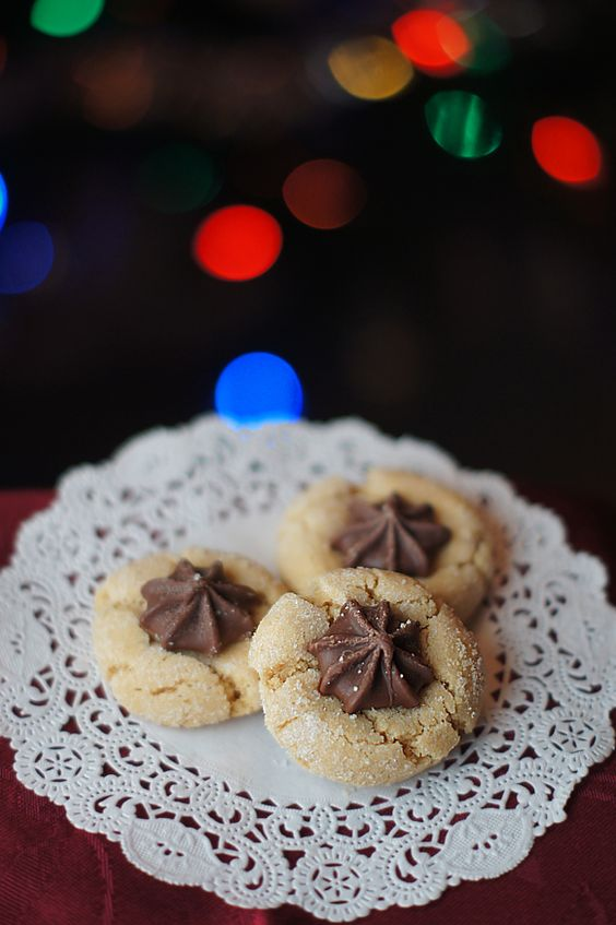 12 Days of Christmas Cookies: Peanut Butter Kisses #traditional #holiday