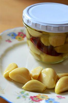 Ninas kleiner Food-Blog: Konfierter Knoblauch mit Chili und Rosmarin
