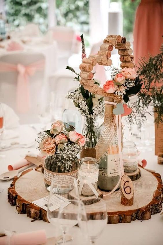 Leaving Facebook Christmas And Homey Particulars With Wood Logs Christmas Christmas Faceboo En 2020 Deco Mariage Decoration Table Mariage Decoration Mariage
