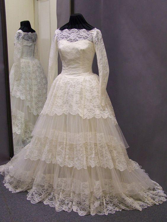 Seltene 50er Lace & Tüll Vintage Ball Kleid von ErmaAndAgnes, $250.00