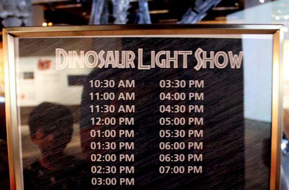 Khung giờ Trình diễn ánh sáng khu khủng long