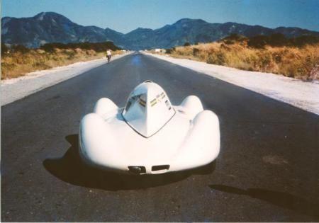 Av. das Américas, Barra da Tijuca,  foto da revista da época sobre o recorde de velocidade batido no Brasil em 1966, no retão da deserta Av. das Américas.