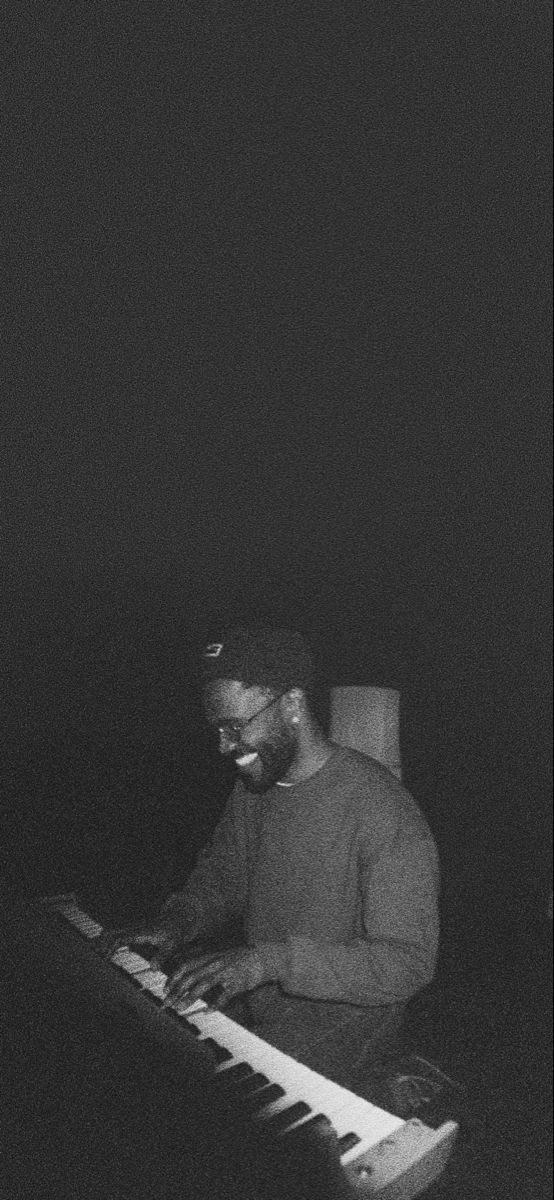 Frank Ocean Wallpaper In 2020 Frank Ocean Wallpaper Black And White Picture Wall Black And White Aesthetic