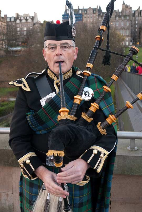 Bagpipe Player By The National Gallery In Edinburgh  http://quillcards.com/blog/index.php/2013/04/25/edinburgh/