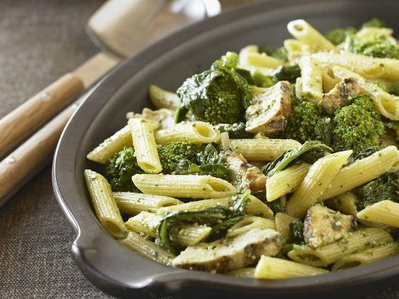 Pasta mit Broccoli-Pilz-Sauce - smarter - Zeit: 30 Min. | eatsmarter.de Brokkoli und Pilze sind Alltimefavorits.
