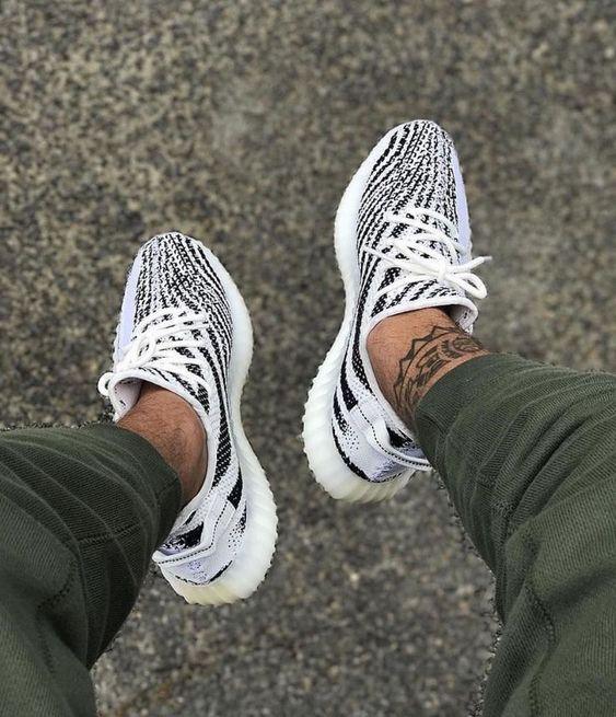 adidas yeezy zebra white