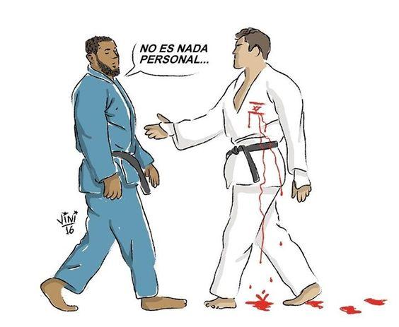 """Judoca Egipcio Rechaza Dar la Mano a su Rival #israelí """"No hay obligación de dar la mano al final del combate sólo es obligatorio inclinarse ante el adversario"""" declaró un portavoz de la Federación Internacional de Judo (IJF) en un comunicado"""" #IslamOriente  http://ift.tt/2aNYsTH"""