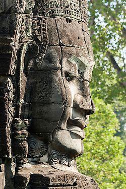 Издълбана глава в храма Байон, Ангкор Том, Камбоджа