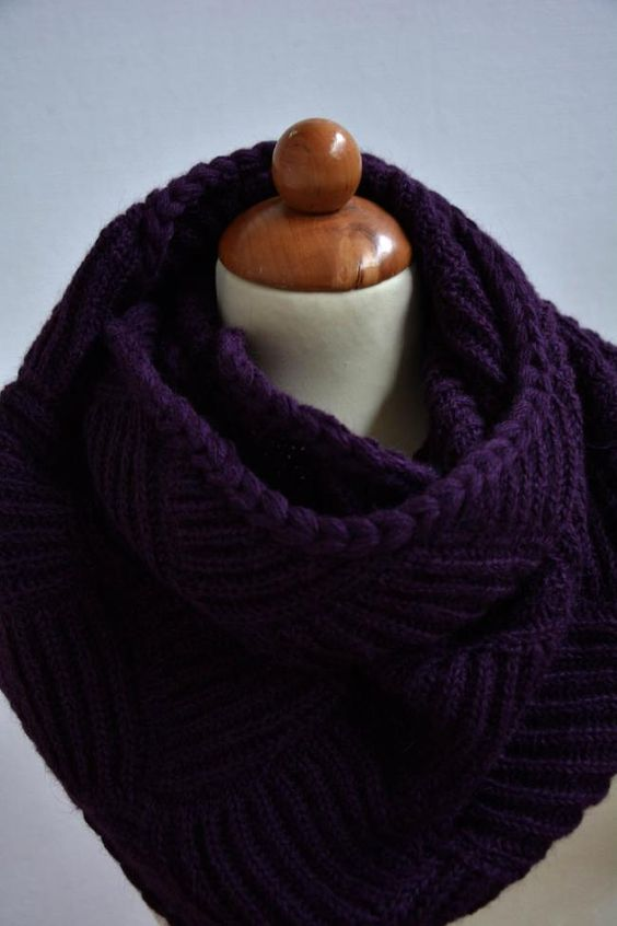Basket knitting shawl. Design: Piia Maria Pekkanen