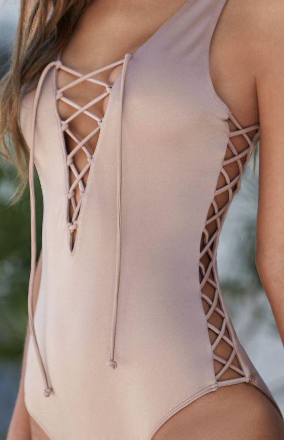 Costumi da bagno - costume intero con dettaglio corsetto
