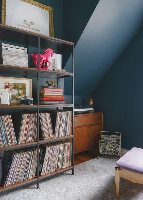 Ikea vittsjo shelving for record storage nook ideas for Record case ikea
