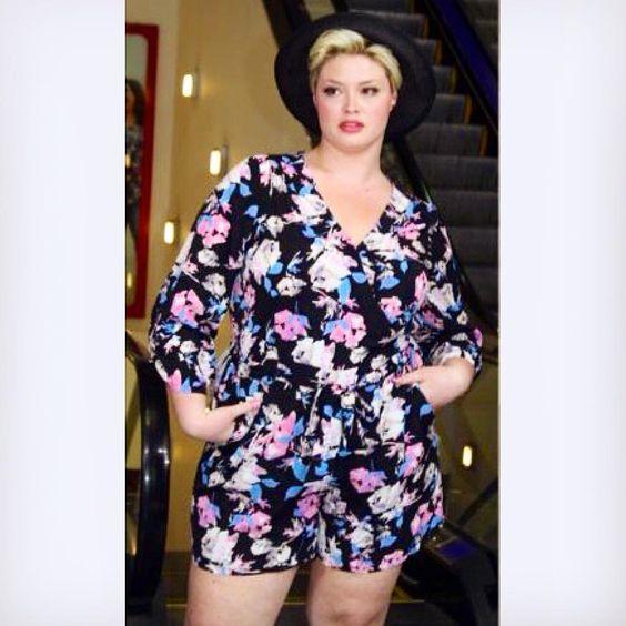 Romper love  #ashleynelltipton #jcpenny #boutique+ #romper #summerfashion #tbt #plussizefashion #curvesaretrending #soworthit #msacurve #psootd #ootd #fabricinspiration #plussizemodel #curvyfashion