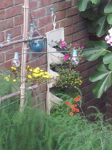 patio-garden-flowers
