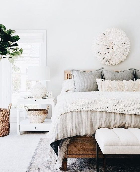 I love the texture and layers on the bed - I need to add just a few soft tones to mine #BedroomDecorIdeas #MasterBedroom #InteriorDesign #HomeDecorIdeas