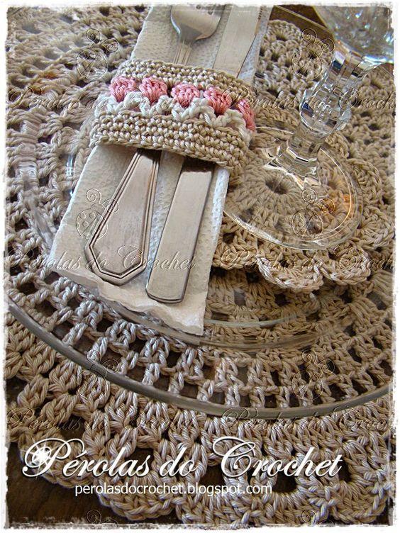 * Pérolas do Crochet: Sousplat em crochet - porta-copos e posrta-guardanapos em crochet