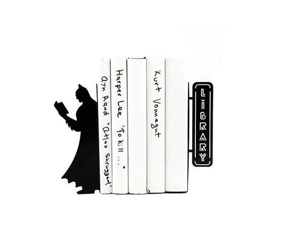 Batman Bookends // Bookshelf Batman // by DesignAtelierArticle