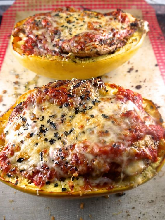Baked Spaghetti Squash Boats with Grilled Chicken  #PreppyPaleo