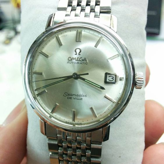 Amazing omega seamaster deville automatic date on original bracelet 1963 #omegawatch #omegaseamaster #vintageomega #oldwatch #classicwatch #omega #1963