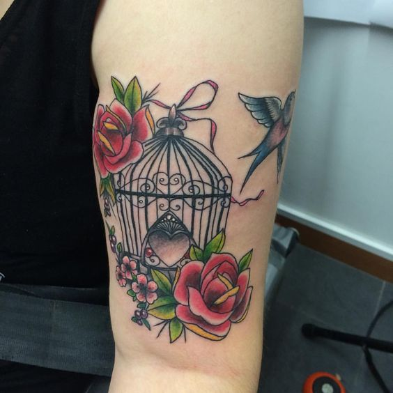 Beautiful birdcage for a beautiful lady! #birdcagetattoo #birdtattoo #roses #nofilter