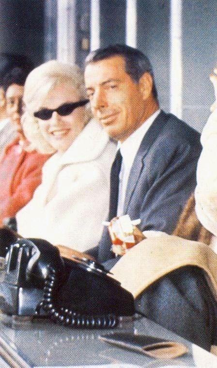 04/11/1961 Jeu au Yankee Stadium Marilyn Monroe et Joe DiMaggio regarder un match de baseball au Yankee Stadium de New York, l'équipe adverse les Yankees de New York contre les Twins du Minnesota.