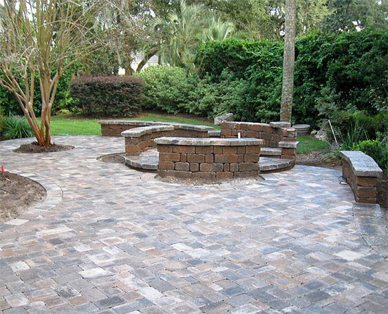 Hardscaping ideas brick paver patio custom firepit for Brick wall patio designs