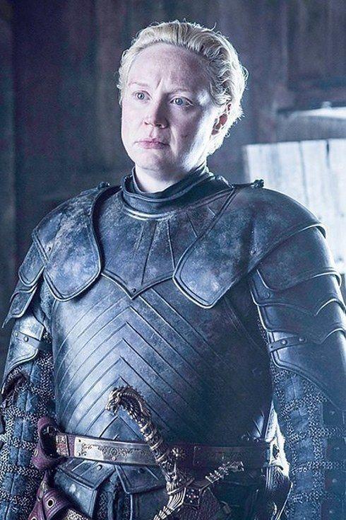 "Os atores do elenco de ""Game of Thrones"" no primeiro e no último episódio"