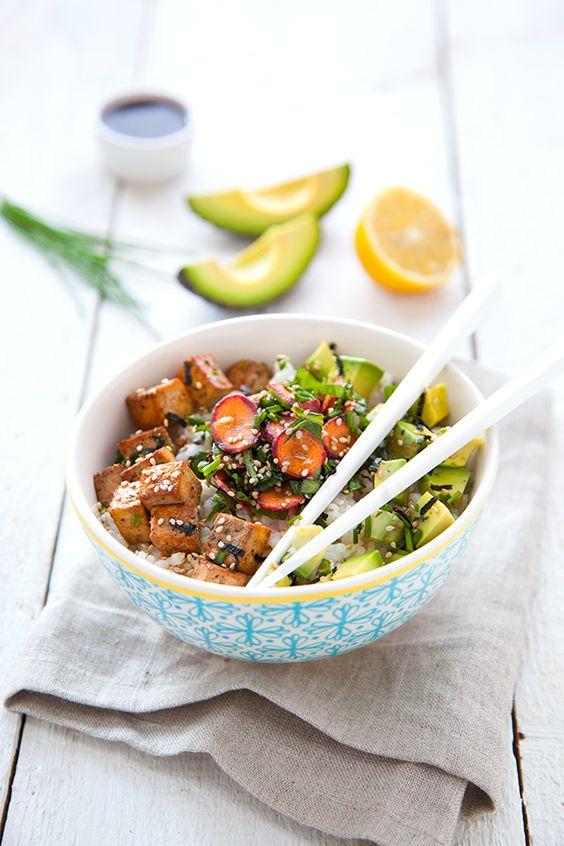 Chirashi vegan avocat et tofu, une recette japonaise végétale et gourmande !