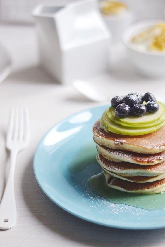 Pancakes healthy sans beurre - De bonnes idées de pancakes healthy pour le petit-déjeuner - Elle à Table