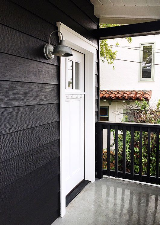 benjamin moore\'s onyx black aura exterior house paint ...