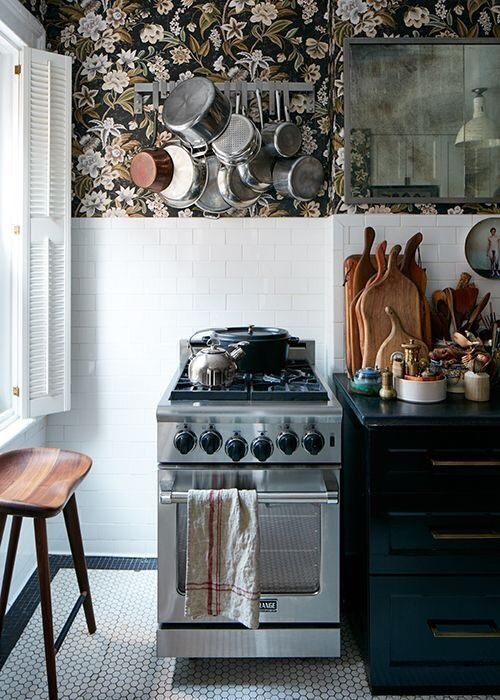 Floral Wallpaper In The Kitchen Tiny House Kitchen Kitchen Interior Kitchen Inspirations