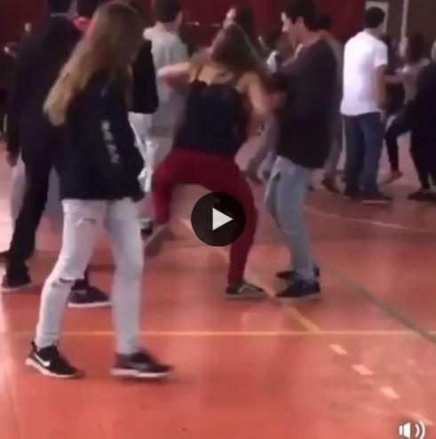 Ela não estava ligando para nada, botou para quebrar no baile