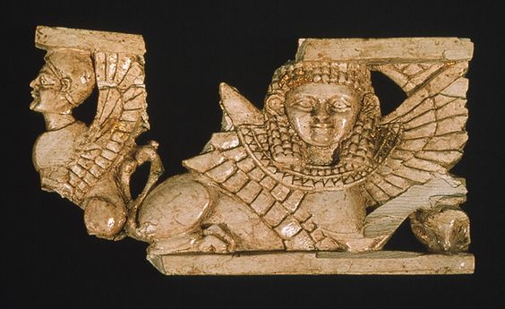 Ivory head of a snarling lion 8s nimrud