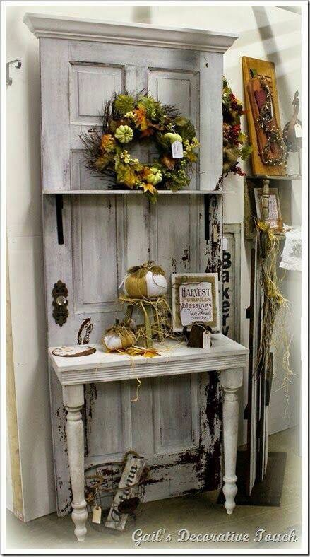 Creatief met oude deur en tafeltje !: