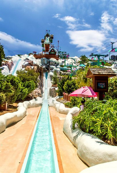 Blizzard Beach FAQ, Tips & Review - Summit Plummet gets long lines, so do it FIRST THING!