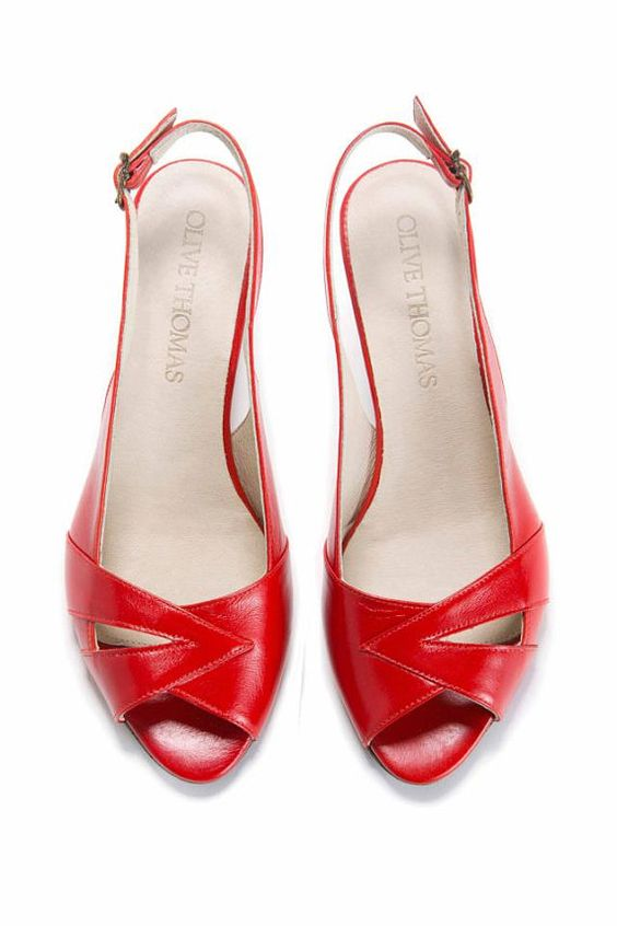 35% Discount Womans Red Peep Toe Mid-Heel Sandal // US sizes 4.5
