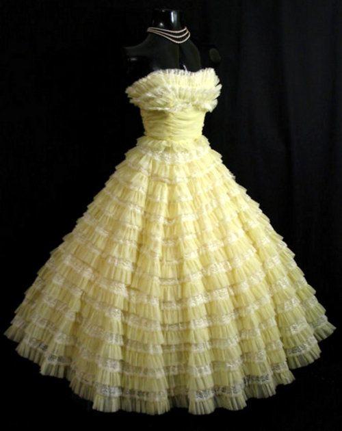 50s Strapless Bombshell Cupcake Lemon Yellow (tiered) Dress / robe de soirée jaune citron chantilly!
