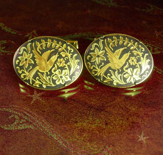 These extra large cufflinks are just beautiful and elegant and would compliment any cuff, especially for your wedding. If you need a gift idea that shows you took the time to care, what better way to give a gift than something unique and vintage. Here is something for that special person that has everything! Not only is it a unique idea because it is Vintage and not something you can buy everyday, but it is something they will know you took the time to find just for them. What a thoughtful…
