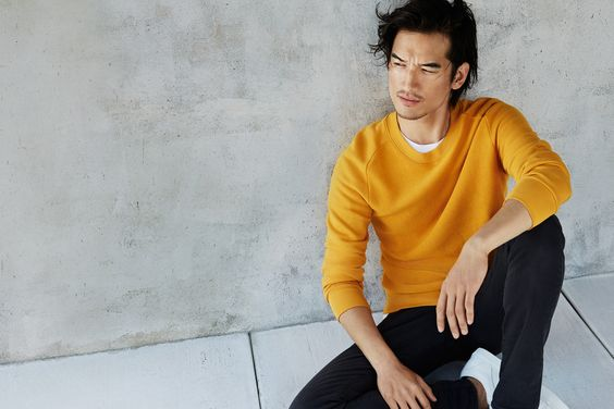"""New contrasts"" by H&M. 'Like the yellow sweat!"