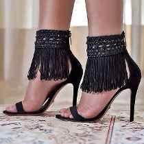 Não da pra falar a minha vontade de usar esse sapato agora eu quase não me vejo sem ficar com vontade de comprar cada um que eu olho eu vou mandar agora isso porque eu vou ficar paralisada de olhar ele :)