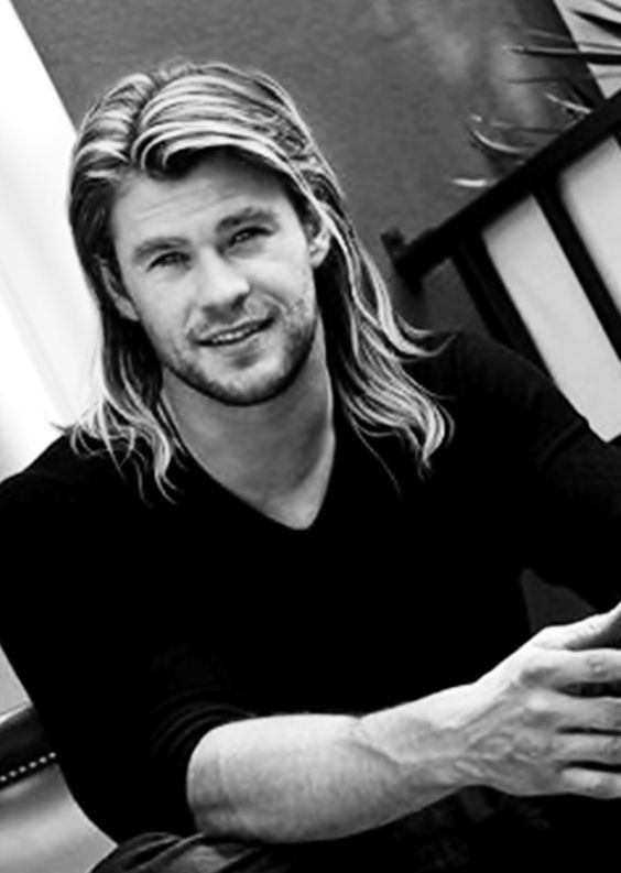 Ok I'm officially jealous of Chris hemsworth's hair in the new Thor movie his hair is longer than mine and I'm a girl!!!
