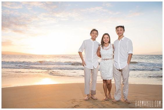 Family portrait photography in maui hawaii