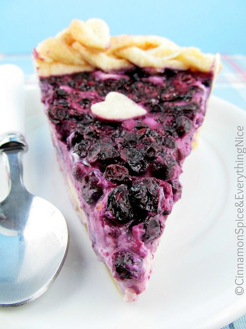 I wonder if this tastes like the sour cream blueberry pie that Earls used to have?