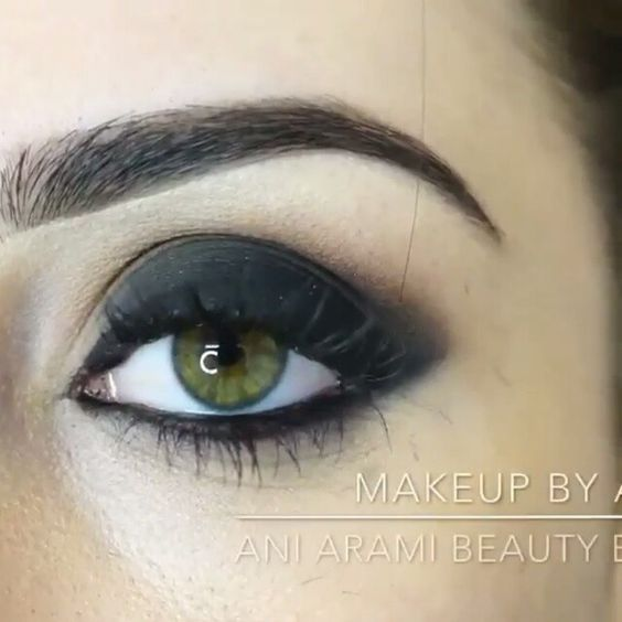 Cejas hermosas#makeup#maquillaje  Por: @makeupbyany Canción: secrets - tiesto & kshmr feat vassy❤