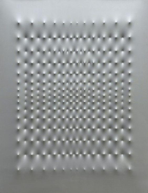 Superficie alluminio   Enrico Castellani, Superficie alluminio (1969)