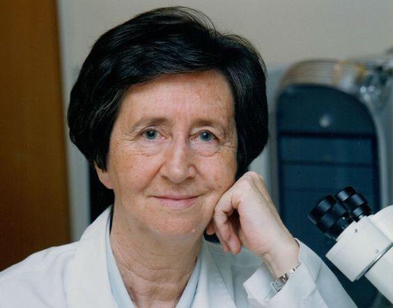 Margarita Salas. Sólo el 6 por ciento de los artículos científicos en español reflejan la actividad de las mujeres en el campo de la ciencia.