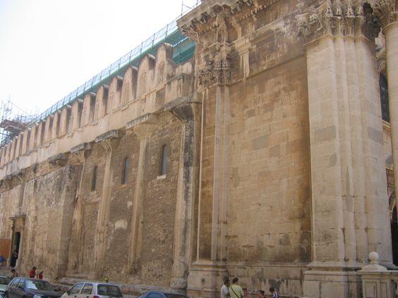 Syracuse - colonnes doriques  mur nord du Temple d'Athéna